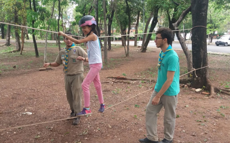 Pioneiros garantem diversão às crianças durante evento na UFMT