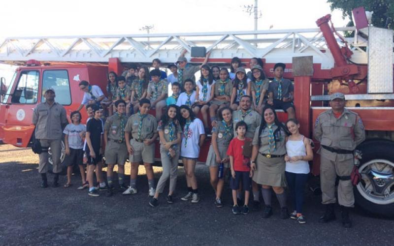 Tropa Marechal visita o 1º Batalhão dos Bombeiros